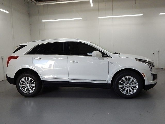 New 2019 Cadillac XT5 Base