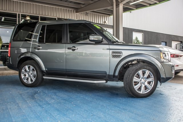 Pre-Owned 2016 Land Rover LR4 4wd